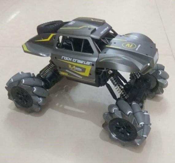 Toyoos Wild Steel Cavalry Rock Crawler Car for Indoor And Outdoor Use